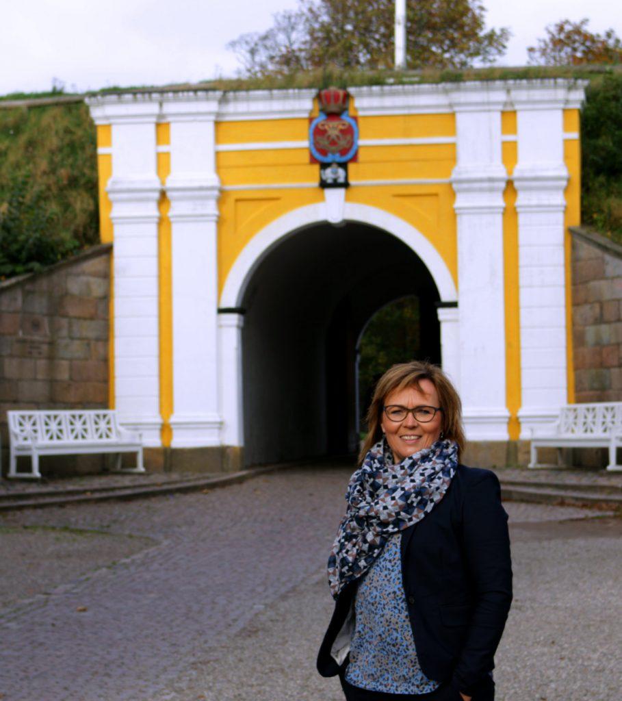 Susanne Eilersen foran Fredericia port